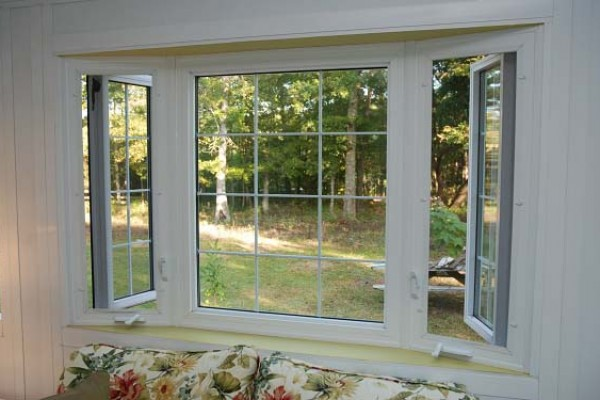 commercial-vinyl-casement-windows-image-1E6F8D1FB-C2CC-2410-8720-5E8939DF80FB.jpg